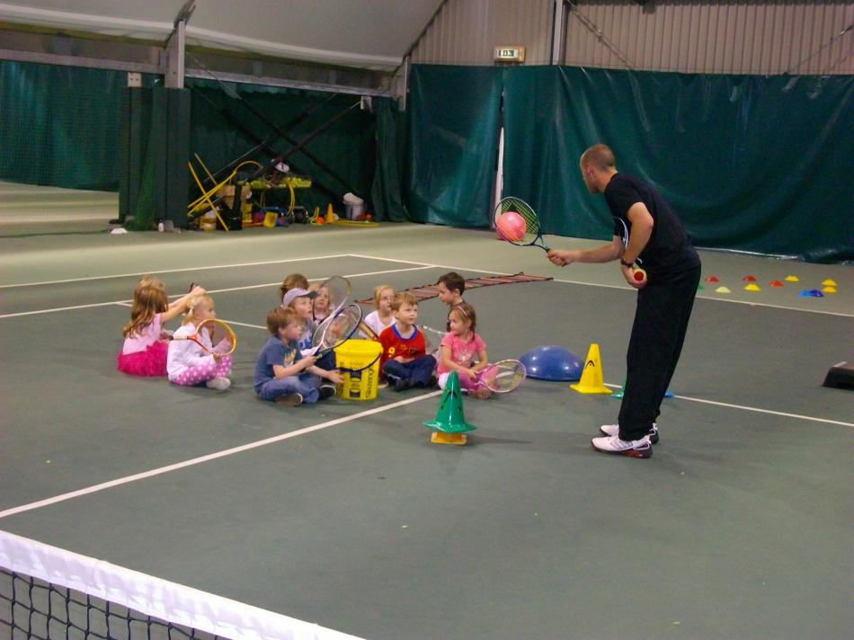 [images/childrens tennis party] Childrens Tennis Party (Childrens Tennis Party)